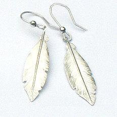 Zilveren oorhangers lange veren
