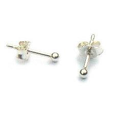 Zilveren oorknopjes kleine balletjes 2 mm