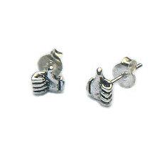 Zilveren oorknopjes likes