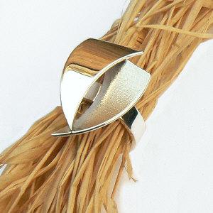 Handgemaakte zilveren ring La fuerza van flamencosieraden.nl