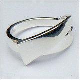 Zilveren ring strakke vormgeving