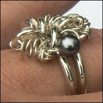 Handgemaakte zilveren ring parels Belleza del arte van flamencosieraden.nl