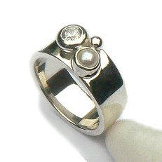 Handgemaakte zilveren design ring uit eigen atelier