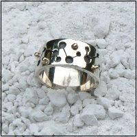 Handgemaakte zilveren design ring Carnaval van flamencosieraden.nl