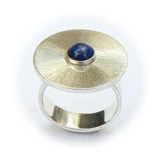 Handgemaakte zilveren ring El sombrero met lapis lazuli
