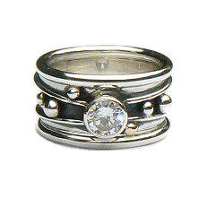 Handgemaakte zilveren ring met goud en zirkonia Flower Power met 2 Amigas van flamencosieraden.nl