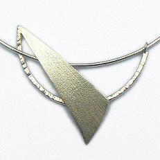 Handgemaakte zilveren design hanger Libertad van goudsmidsatelier Flamenco