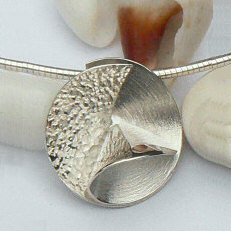 Handgemaakte zilveren hanger Esperanza uit eigen atelier edelsmid