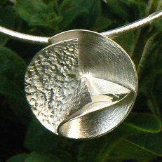Handgemaakte zilveren hanger Esperanza uit eigen atelier