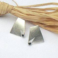 Handgemaakte zilveren oorstekers Claro que sí! van flamencosieraden.nl