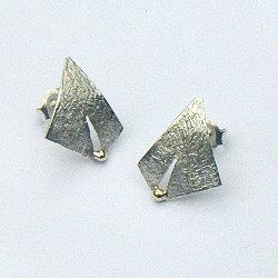 Handgemaakte oorstekers zilver met goud
