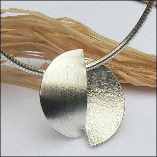 Handgemaakt zilveren halssieraad Diferencia 61504