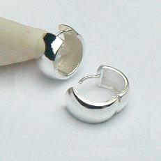 Zilveren klapcreolen 15 mm 7.5 mm breed