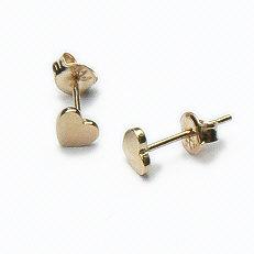 Gouden oorstekers hartjes