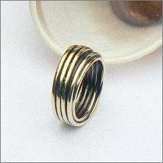 Geelgouden ring van oud naar nieuw