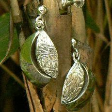 handgemaakte zilveren oorsieraden blaadjes in opdracht