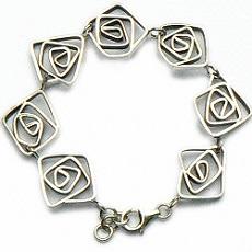 Handgemaakte zilveren armband La pacienca van flamencosieraden.nl