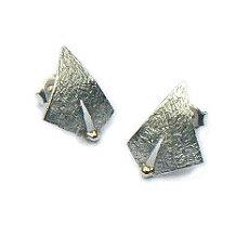 Handgemaakte zilveren oorstekers met goud Luz dorada by Flamenco