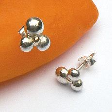 Handgemaakte zilveren oorstekers Sonrisa van flamencosieraden.nl