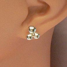 Zilveren oorstekers (handgemaakt) met gouden bolletje Sonrisa