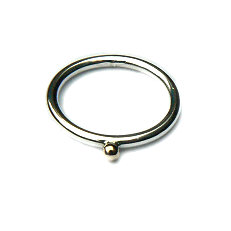 Zilveren aanschuifring met gouden bal 2.5 mm