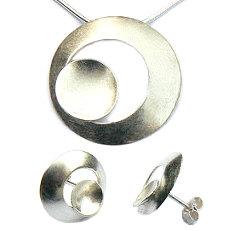 Handgemaakte zilveren set cirkel Tierra van flamencosieraden.nl