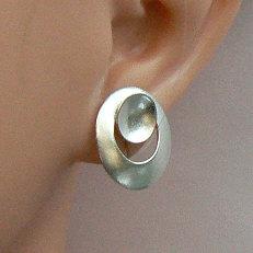 Handgemaakte zilveren oorstekers Tierra van Flamenco