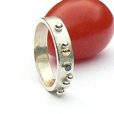 Handgemaakte zilveren ring met goud Sueño 5 mm van flamencosieraden