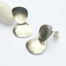 Handgemaakte zilveren oorstekers Tierra fuerte by Flamenco