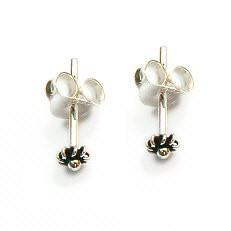 Zilveren oorstekers zeeuwse knopjes mini