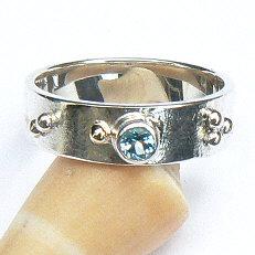 Handgemaakte zilveren ring met topaas en goud Sueño by Flamenco