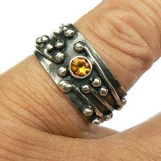 Handgemaakte zilveren ring met citrien Lluvia y sol
