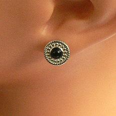 Ronde zilveren oorstekers met onyx